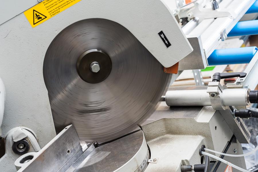 Découpe de profils aluminium